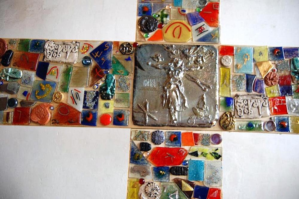 scultura-croce-santa-giulia-2